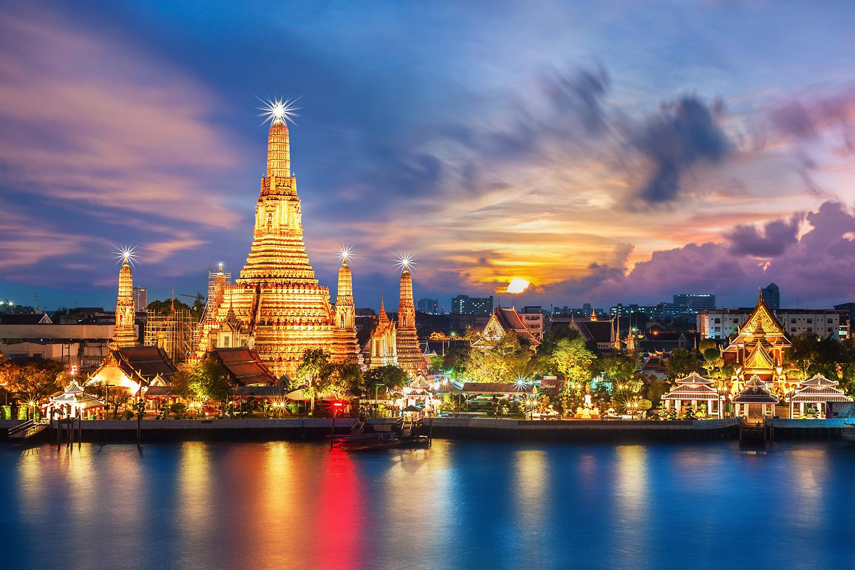 Visita al tempio di Wat Arun a Bangkok